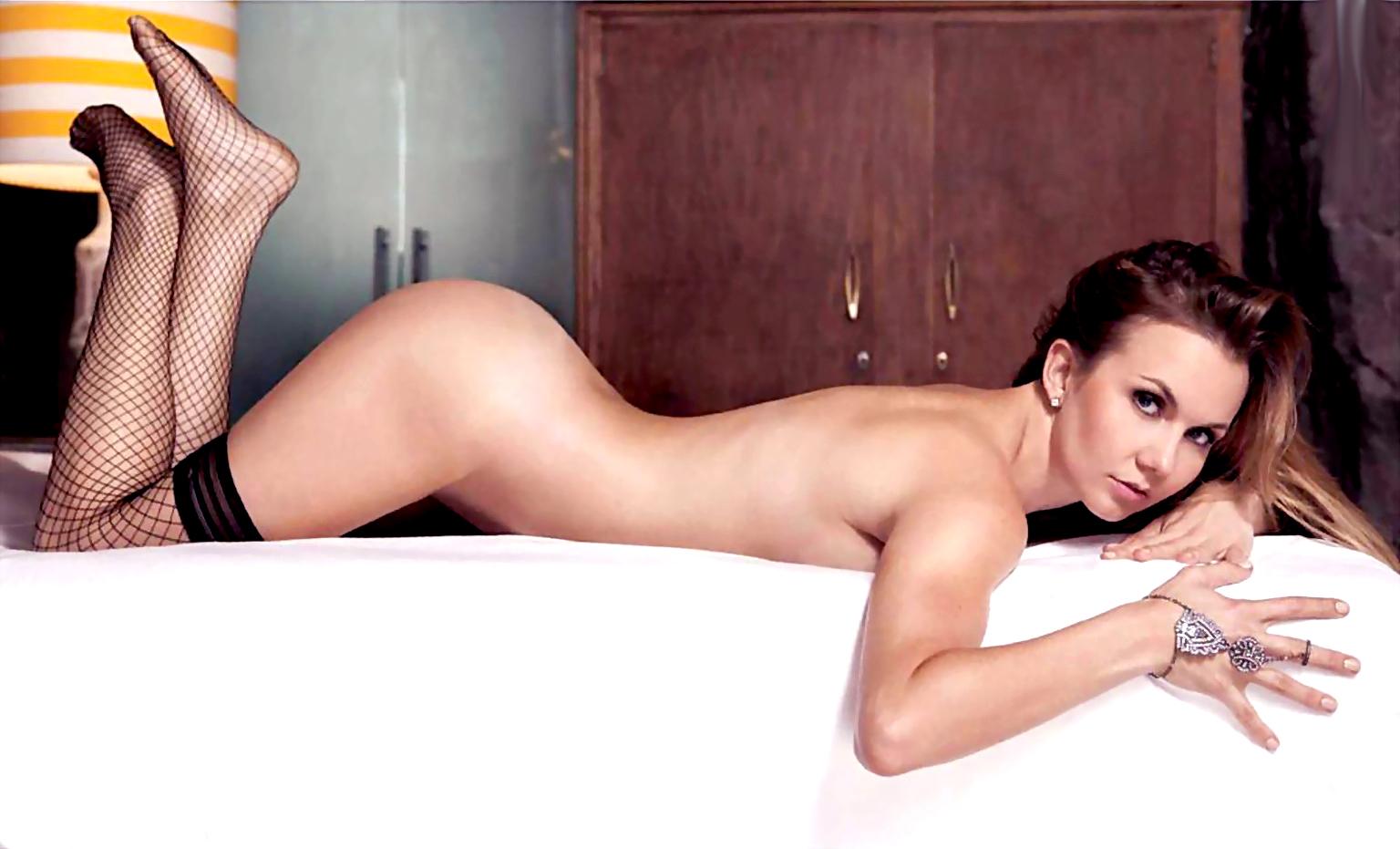 Has michelle trachtenberg nude