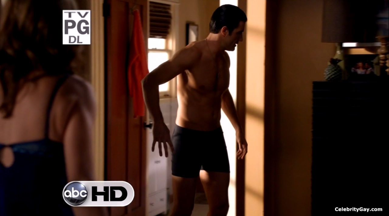 Gilles marini naked clip — pic 1
