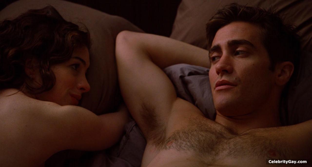 jake gyllenhaal caught nude
