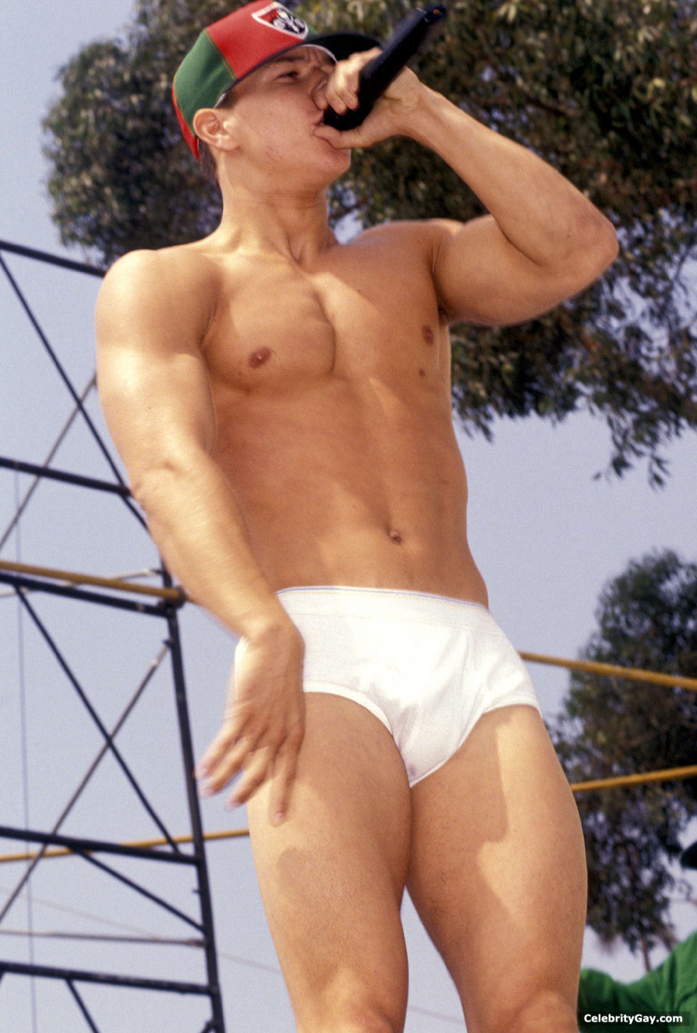 Mark wahlberg blog, pics, photos and dvds