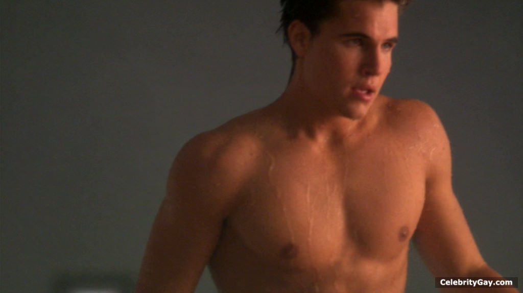 Robbie amell naked pics 15