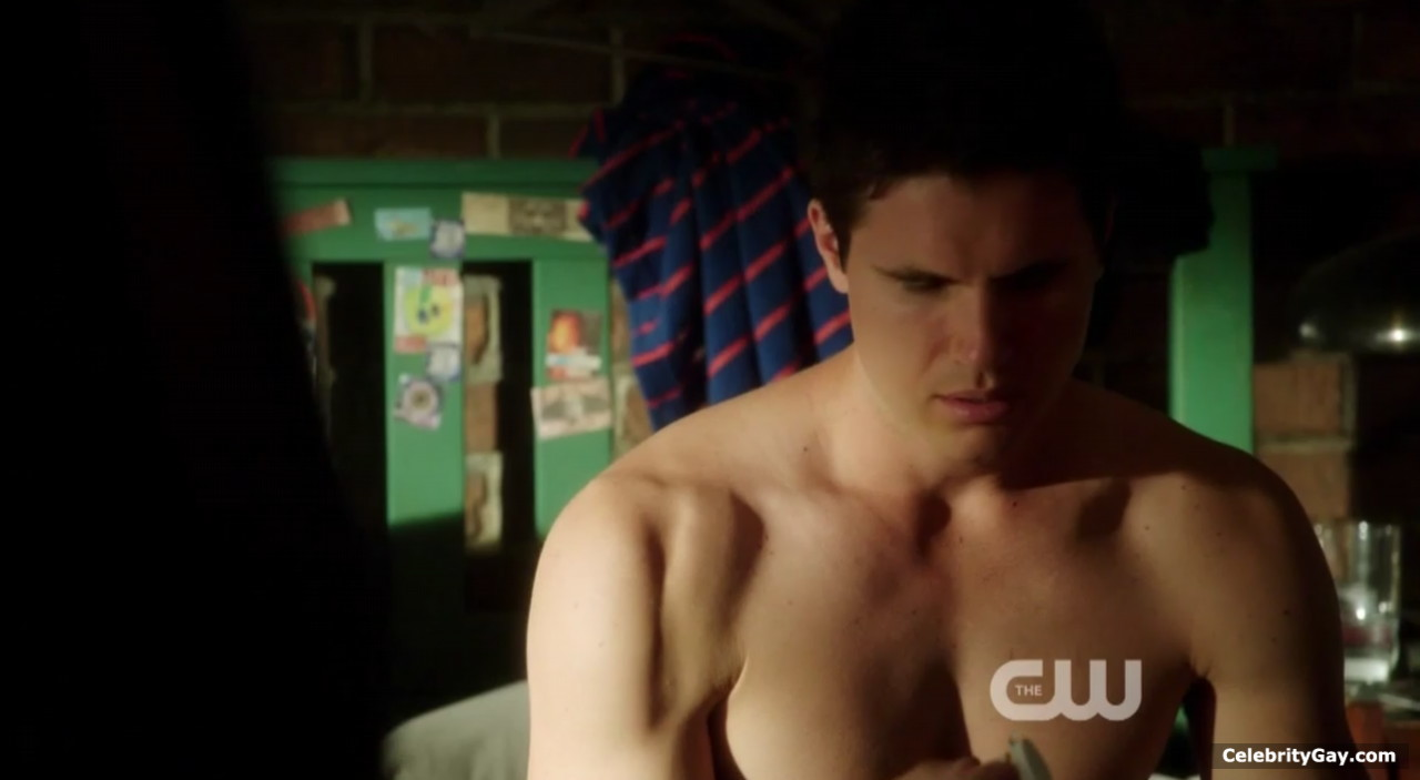 Sex robbie amell